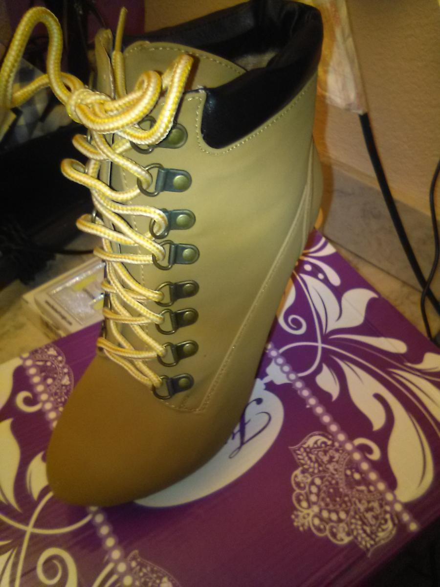 Photo 2 of Stilehetto boots
