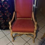 Throne french chair