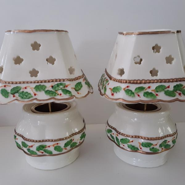 Photo of Set Of 2 Votive Candle Lamps With Holly Leaf And Berry Design