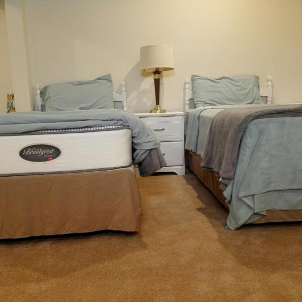 Photo of 2 sets of twin beds
