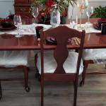 For Sale Dinning Room Table ,4 side Chair and Hutch