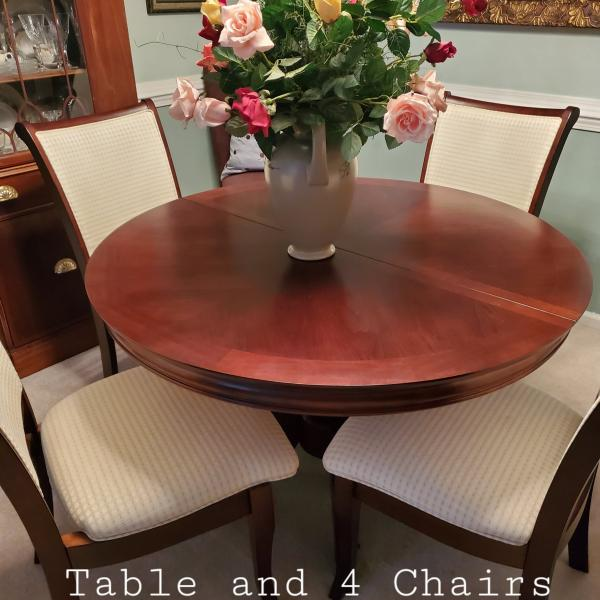 Photo of Never use table and four chairs