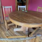 Stickley Breakfast Table with 2 leaves