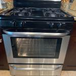 Free standing oven Frigidaire