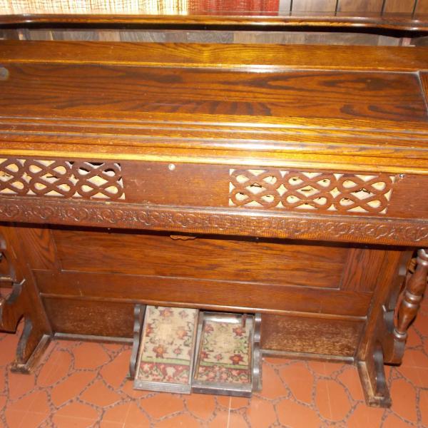 Photo of Pump Organ
