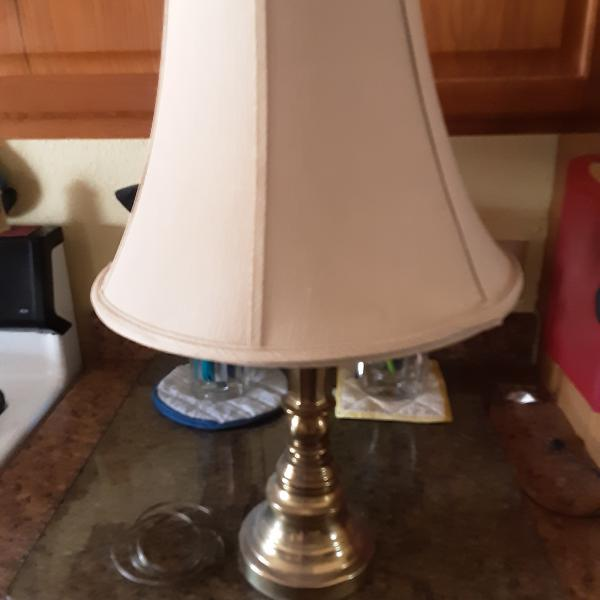 Photo of table lamp