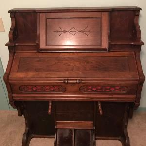 Photo of Antique Reed Organ