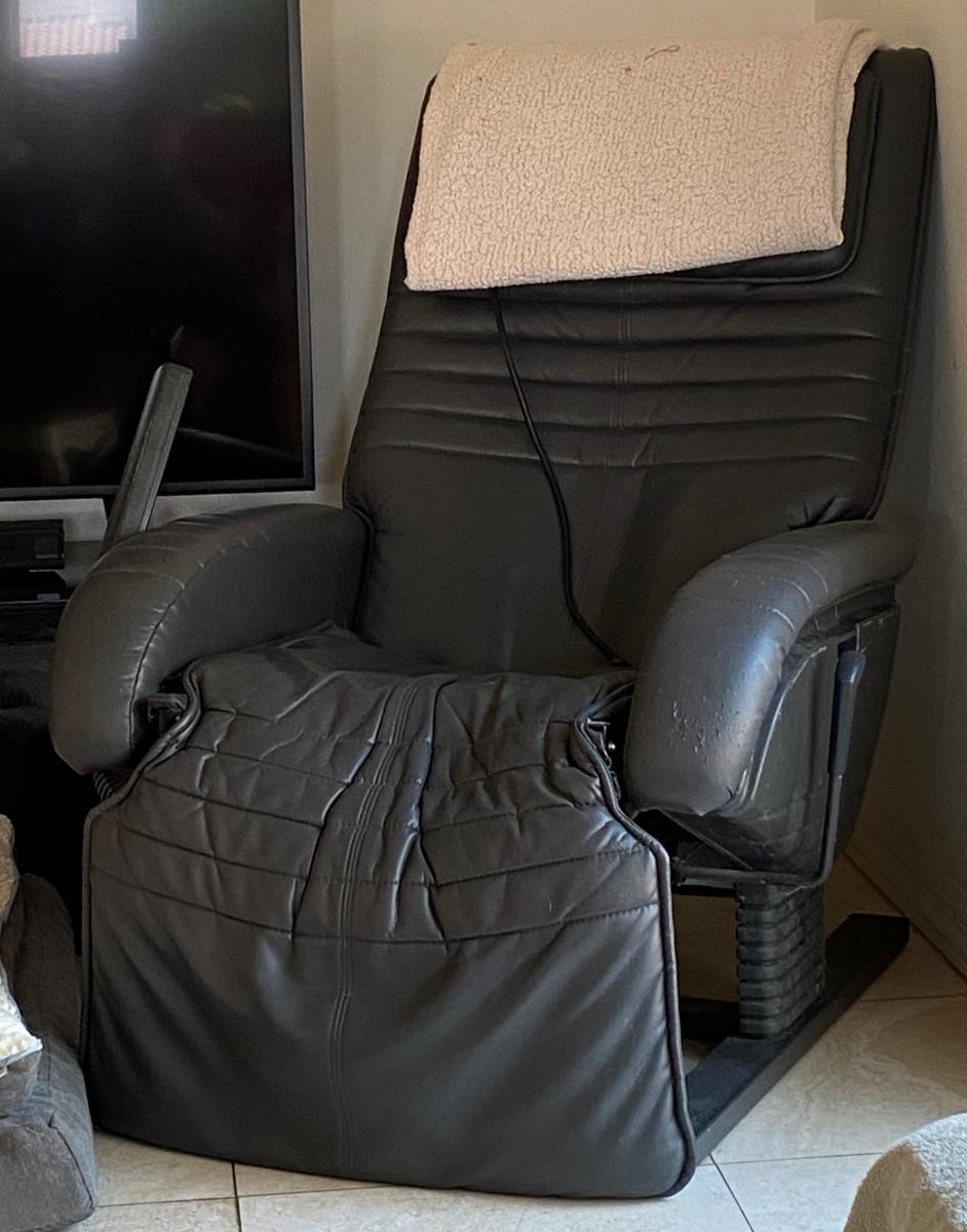 Photo 1 of Massage chair