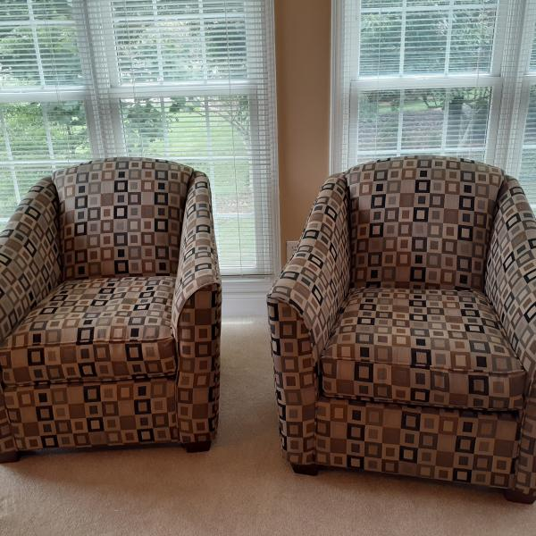 Photo of 2 contemporary chairs