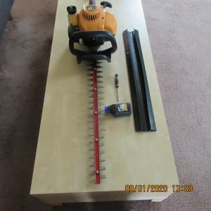 Photo of Used Poulan Pro 2822 2 Cycle Hedge Trimmer