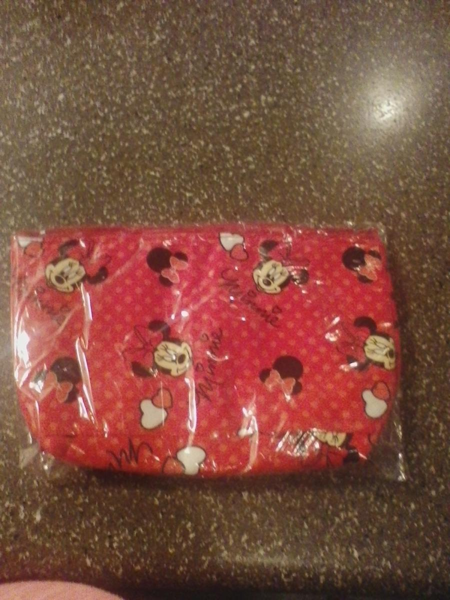 Photo 3 of Makeup bags won't find in stores