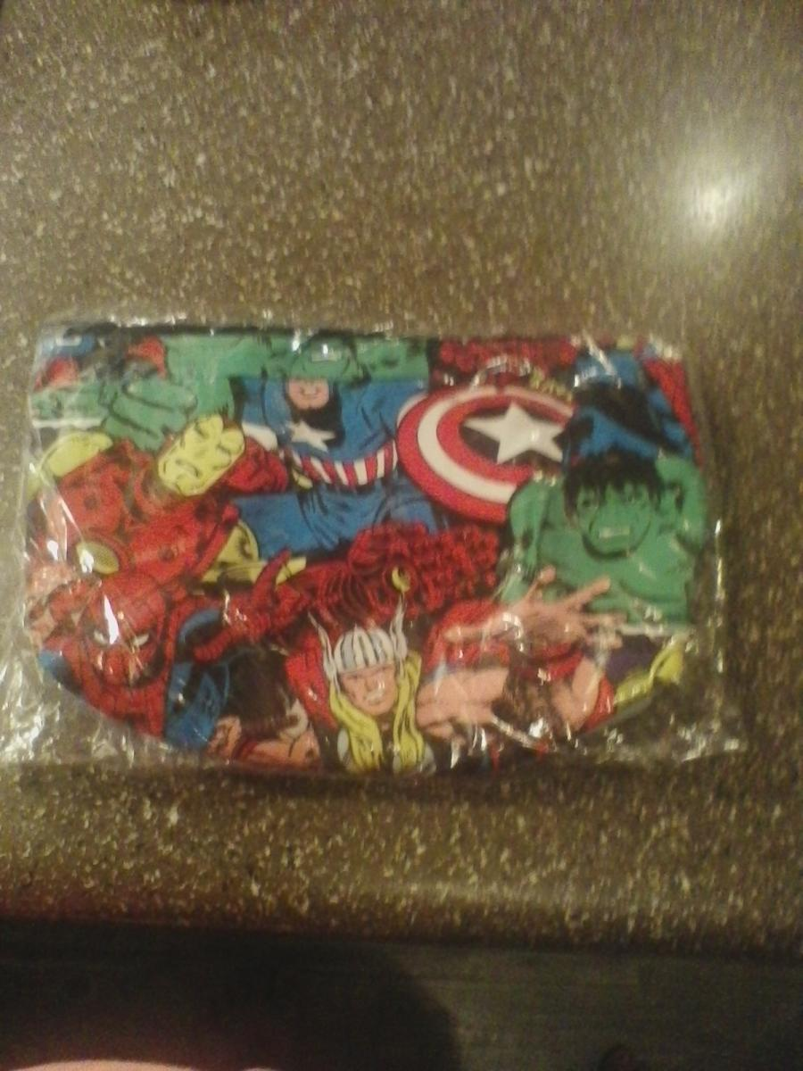 Photo 2 of Makeup bags won't find in stores