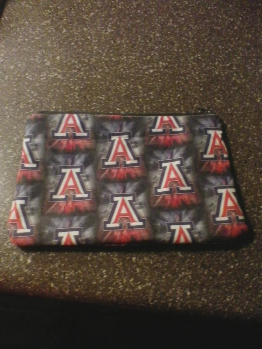 Photo 1 of Makeup bags won't find in stores