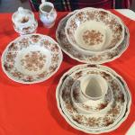 BEAUTIFUL BROWN AND WHITE DINNERWARE SERVICE FOR 6 PLUS