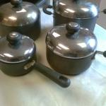 Circulon Saucepan Set.  4 pans with lids