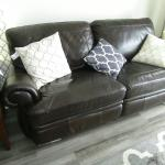 Havertys Brown Leather Manual Recliner Love Seat Sofa