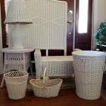 Twin white wicker bdrm set
