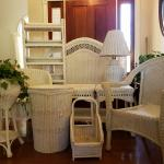 Double White Wicker BDRM Set