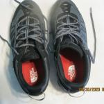 LIKE NEW MEN'S NORTH FACE SNEAKERS