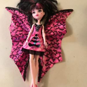 Photo of Monster High Ghoul to Bat Draculaura