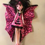 Monster High Ghoul to Bat Draculaura