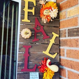 Photo of Fall Wooden Pallet Sign