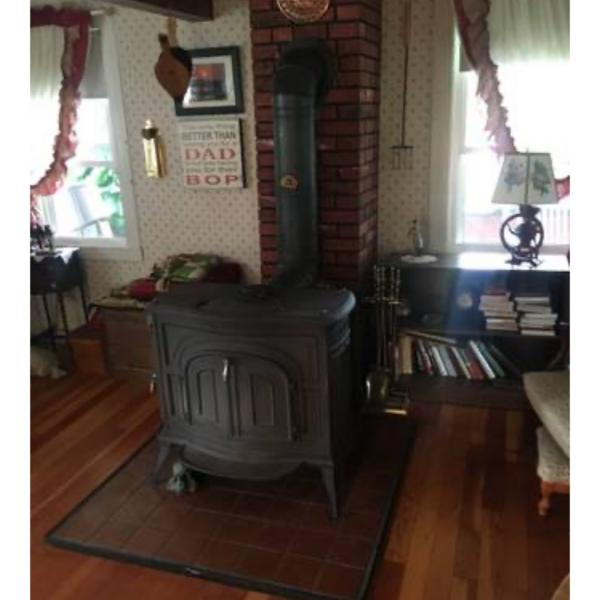 Photo of Vermont castings stove