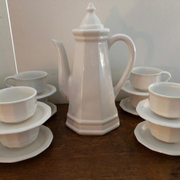 """Photo of Pfaltzgraff Heritage 10 3/4"""" 9 Cup Tall Coffee Pot w/ Lid, 8 Cups & Saucers EUC"""