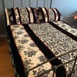 Waverly Full Size Quilt with Shams, like new