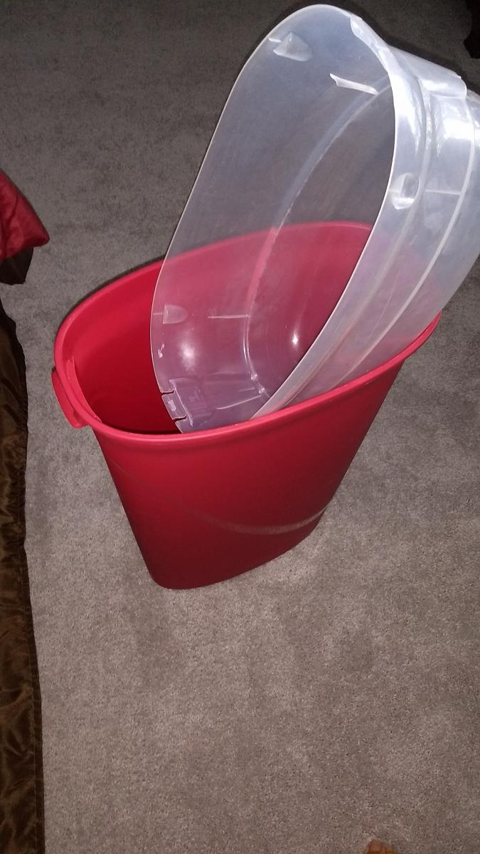 Photo 1 of Gift wrapping container