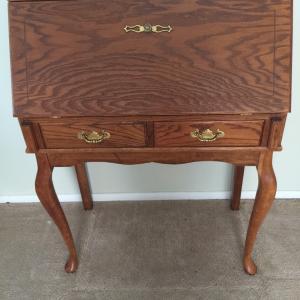Photo of Lady's desk