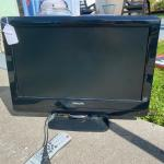 "22"" Flat Screen Tv w/ remote"