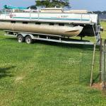 Pontoon: 24ft Tracker Party Barge