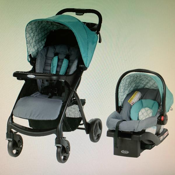 Photo of NEW! NRFB Graco Verb Travel System with snugride.