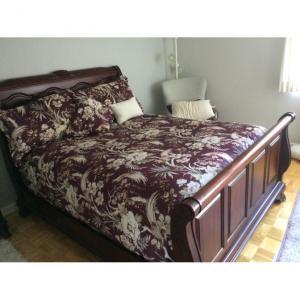 Photo of Queen bed