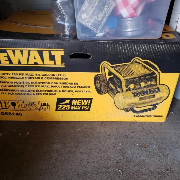 Photo of DE WALT- 4.5 Gallon AIR COMPRESSOR