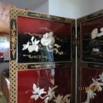 Very nice oriental shell motif room divider
