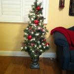 5 ft prelit Christmas tree