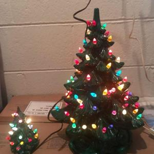 Photo of Vintage Ceramic Atlantic Mold 1974 Lighted Christmas Tree