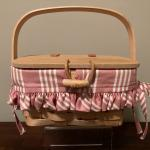 1998 Longaberger small purse/basket with cloth liner