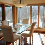Beautiful Kitchen Table / Glass top / molded lucite legs