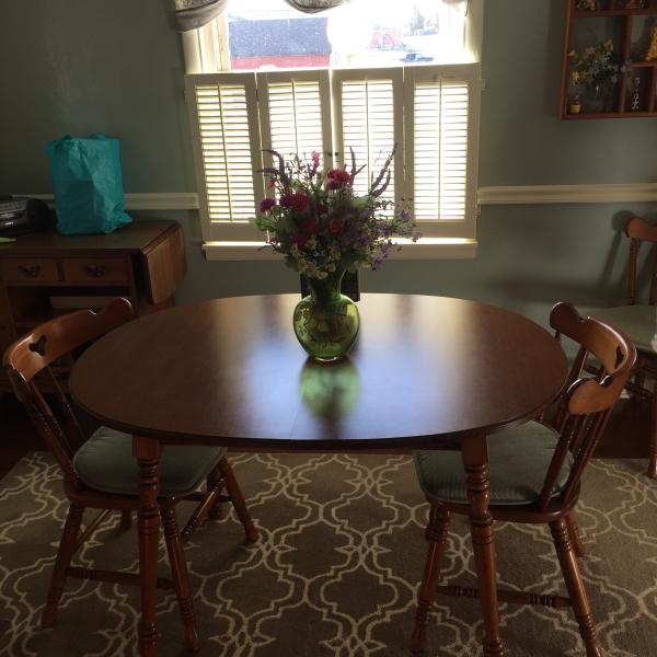 Photo of Tell City table and chairs