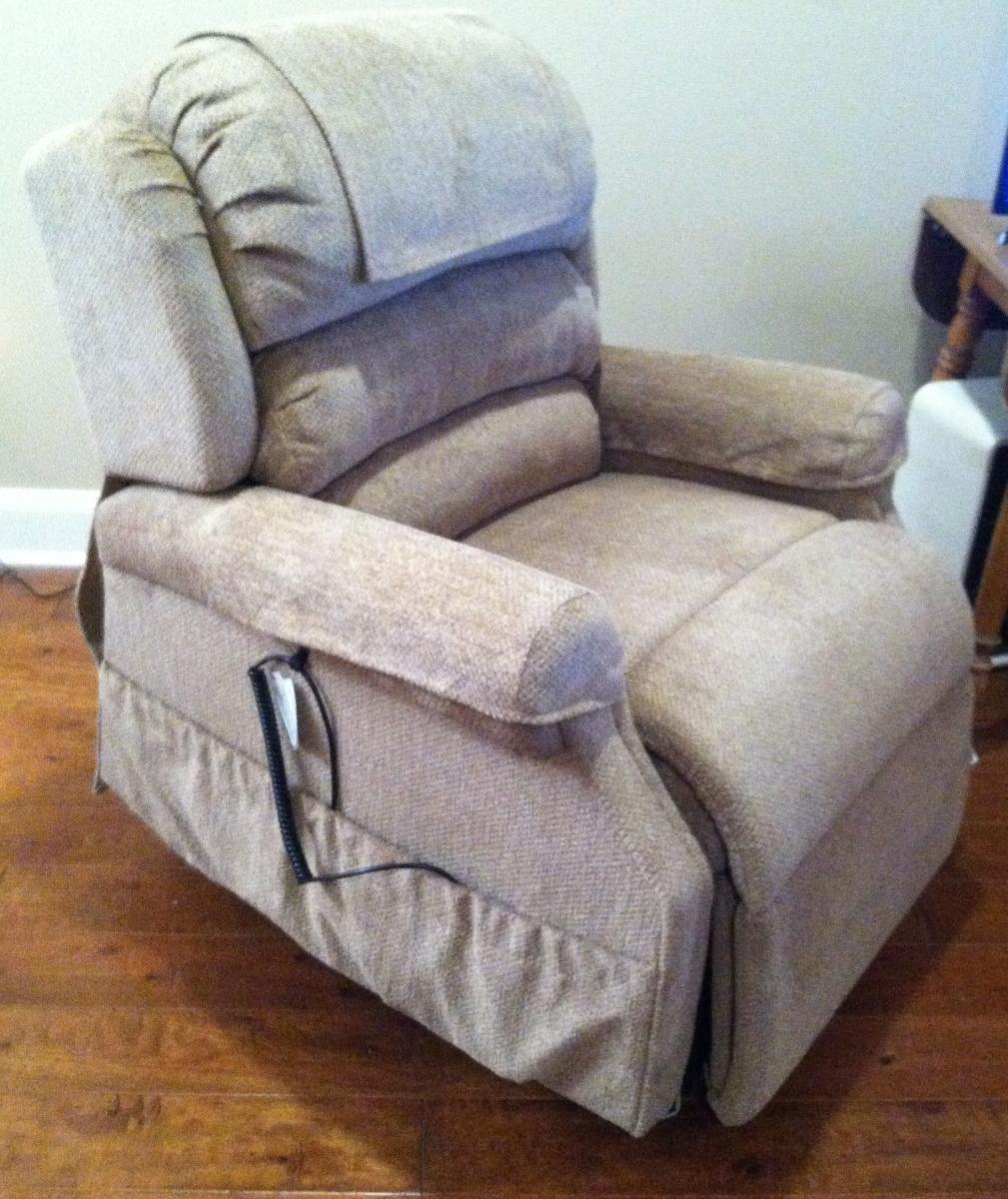 Photo 4 of UltraComfort America Zero Gravity Infinity Lift Chair