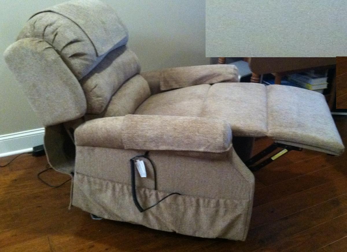 Photo 9 of UltraComfort America Zero Gravity Infinity Lift Chair