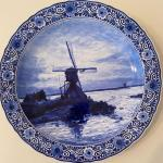 Large Delft Charger