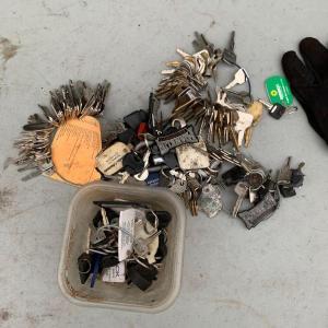 Photo of large lot of random keys