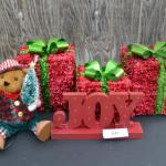 LOT 441  HOLIDAY DECOR