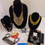 Lot 165 - Fine Costume Jewelry