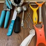 More Kitchen Utensils - Lot 86