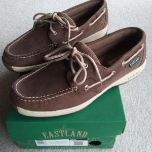 Photo of NEW Women's Eastland Leather Shoes - Size 8W